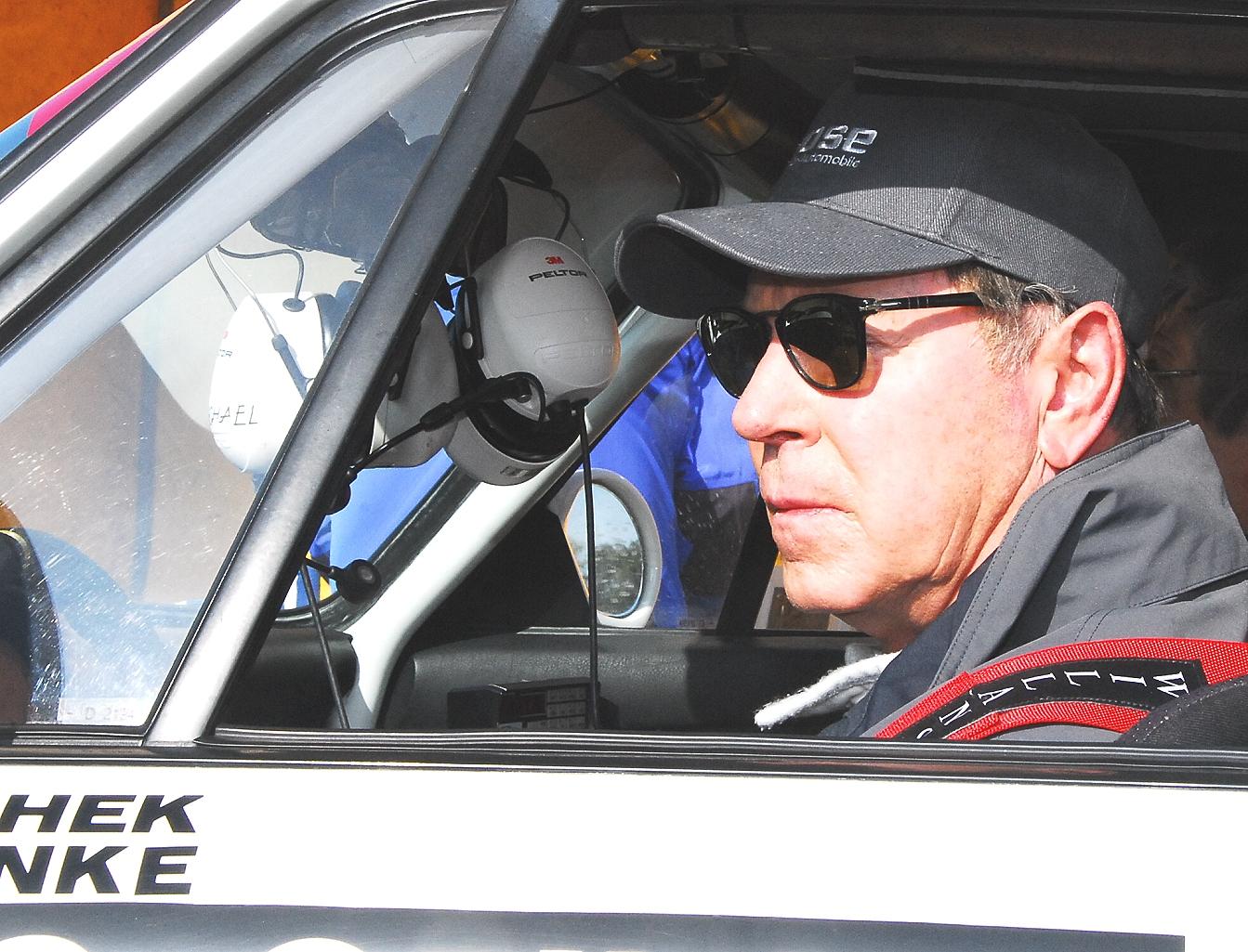 Hochkonzentriert: Michael Stoschek im Porsche-Cockpit)