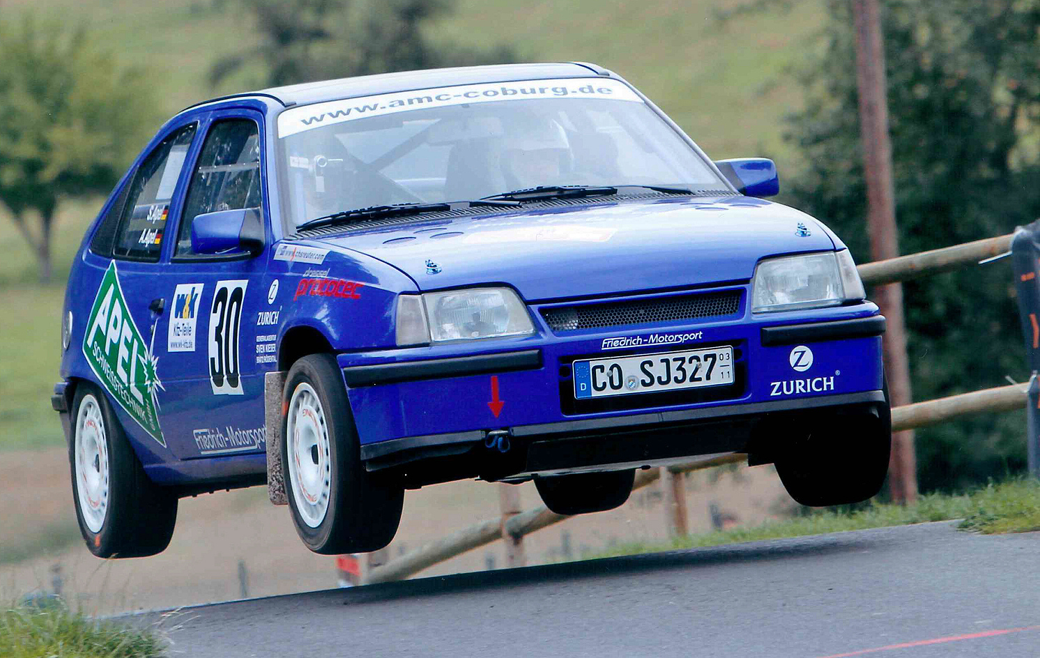 Sie sprangen in der vergangenen Saison ganz weit nach vorn: die beiden Neustadt b. Coburger Rallyebrüder André und Sandro Apel