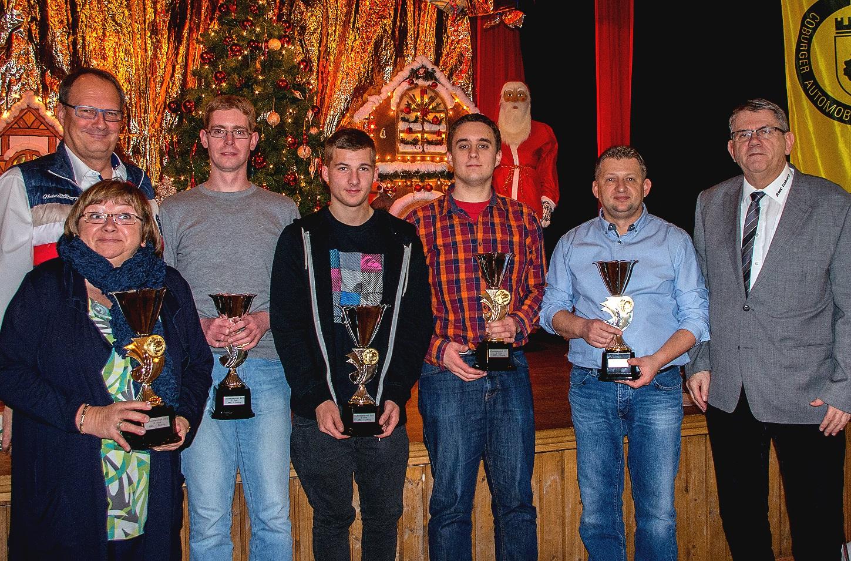 Die erfolgreichsten Vierradsportler (v. li.): Jochen und Inge Autsch, Stefan Bätz, Christian Strunz, André Wittmann, André Apel und Jochen Bischoff